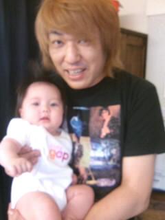 ネコVS赤ちゃん